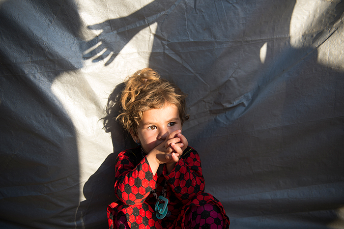 Medya Ismail Qassim (2) was born on the Sinjar Mountain under siege by IS. Now she is an IDP in Dohuk. Photo: Håvard Bjelland.