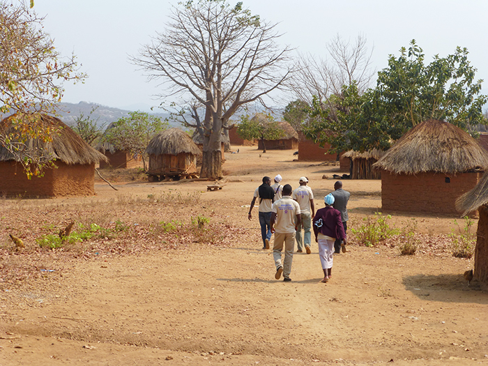 A team of budget monitors follows the oil money by investigating progress, delays and quality of public projects to secure access to water, health services, education and infrastructure in rural villages in Kwanza Sul, Angola. Photo: Norwegian Church Aid